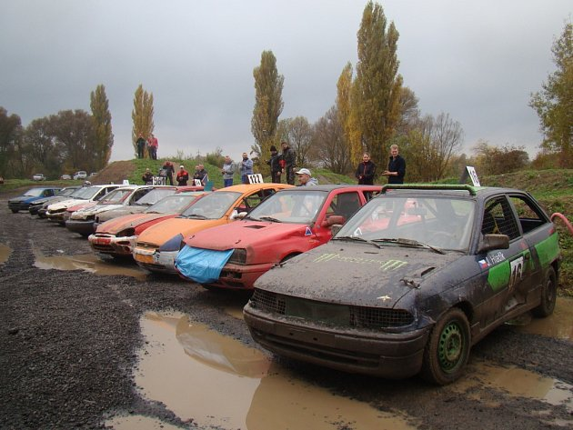 V sedmém dílu Autopoint Cupu startovalo 23 vozů.