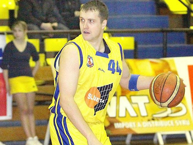 Tomáš Holešovský se v dresu ústeckého klubu objeví už jen v závěrečné exhibici s hvězdami českého basketbalu. O jeho služby na pozici rozehrávače už neměl klub zájem.