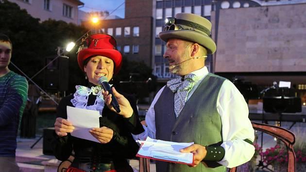 Kinematograf bratří Čadíků na Lidickém náměstí v Ústí nad Labem