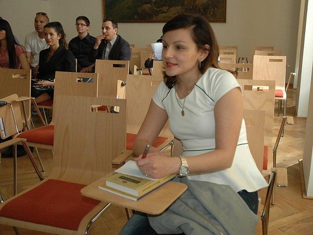 STIPENDISTKA.  Karolína Horváthová již stipendium má, studuje za něj na ústecké univerzitě.