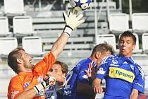 Brankář prvoligového nováčka z Ústí Radim Novák si v utkání na půdě Olomouce zachytal. Ani přes jeho velkou snahu ale nakonec Severočeši bod neurvali, prohráli 0:3.