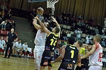 Levharti Chomutov - Sluneta Ústí nad Labem, osmifinále Českého basketbalového poháru 2019/2020.