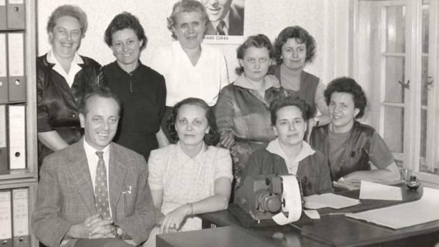 Jarmila Riegrová ze Střekova se do Ústí přistěhovala po 2. světové válce. Pracovala zde v Setuze, ale také v Krajském filmovém podniku.