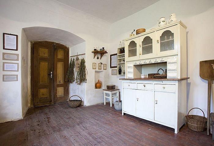 Nově otevřené Kittelovo muzeum se nachází na Krásné-Pěnčíně, asi pět kilometrů jihovýchodně od Jablonce nad Nisou.