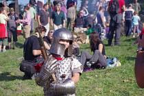 Hvězdicový pochod, během něhož si děti mohly zkusit rytířskou zbroj, přilákal na Blansko stovky lidí.