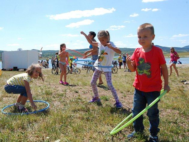 Svazek obcí v neděli pořádal u jezera Milada odpoledne pro rodiny s dětmi.