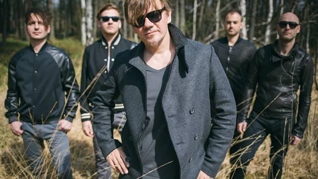 Michal Hrůza na koncerty vyrazí se svou Kapelou Hrůzy.
