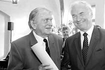 V sobotu po dlouhé nemoci zemřel dlouholetý sbormistr a profesor PhDr. Tomáš Fiala CSc. Na snímku vlevo.