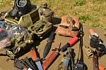 Senioři v Krásném Březně tleskali aktivním vojenským zálohám