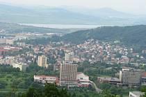 Výhled z Erbenovy vyhlídky na Jezero Milada.