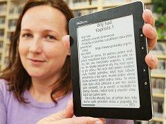 V knihovně ve čtečce půjčí až 500 knih...