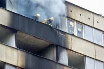 Požár bývalého hotelu Máj znovu zaměstnal hasiče. Ilustrační foto.
