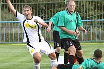 Fotbalisté Mojžíře (zelení) doma remizovali s Jílovým 2:2.