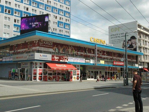 Architekti napočítali v centru Ústí 196 reklamních cedulí.