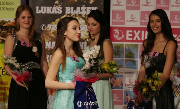 Krajské finále soutěže Dívka roku.