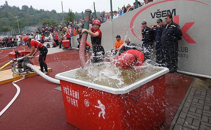 V Ústí nad labem se o víkendu uskutečnilo mistrovství ČR v požárním sportu.