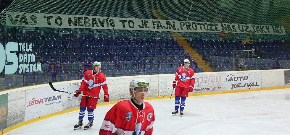Fanoušci ústeckého Slovanu dali hokejistům najevo, co si myslí o jejich výkonech