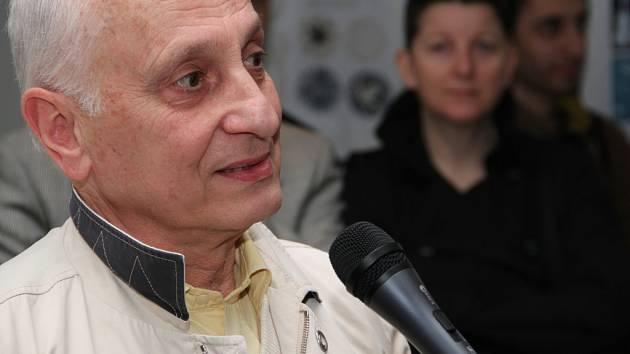 Slavný francouzský režisér Michel Ocelot na výstavě v Praze.