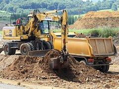 Řehlovice. Právní moci rozhodnutí nabude až po 15 dnech. Pak může Ředitelství silnic a dálnic začít se stavbou.