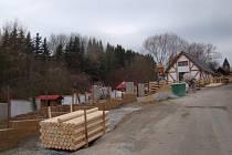 Přestavba dětské zoo na venkovský dvorek.
