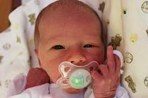 Jozef Štěrba se narodil v ústecké porodnici 1.4.2015 (12.31) mamince Danuši Pospíšilové. Měřil 48 cm, vážil 2,79