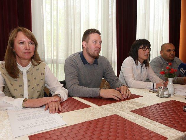 HNUTÍ Vaše Ústí se představilo na tiskové konferenci v Interhotelu Bohemia.