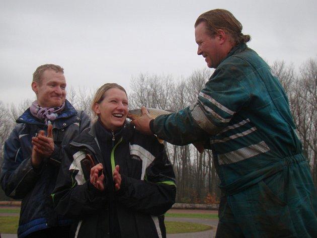 Definitivní tečku za letošní sezonou v Motoareálu Chabařovice napsal sobotní autocrossový závod O vánočního kapra.