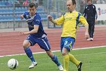 Ústečtí fotbalisté (modří) doma prohráli se Zlínem 1:2.