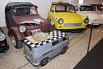 Miloš Vrbka z Terezína sbírá auta z bývalé NDR. Teď má některé v originálním muzeu.