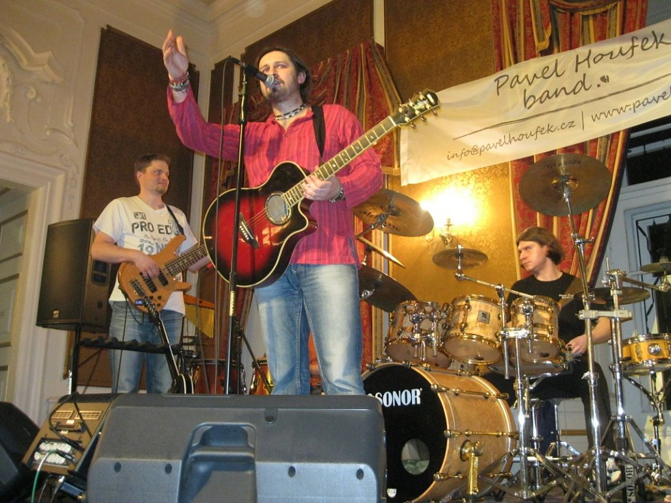 Pavel Houfek band při loňském koncertě v zahradním domě v Teplicích.