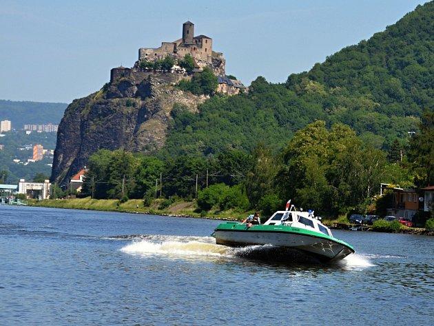 Labe a hrad Střekov.