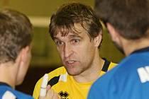 Volejbalový trenér Michal Nekola prožívá po odchodu z Ústí nad Labem do Liberce další část úspěšné kariéry. V lize jeho tým neprohrál a dobývá i  pohárovou Evropu.