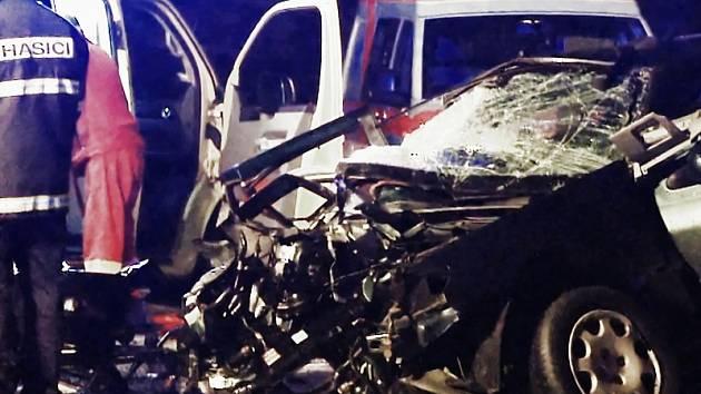 Dva studenti z Krásného Března zemřeli při nehodě v Dobkovicích.