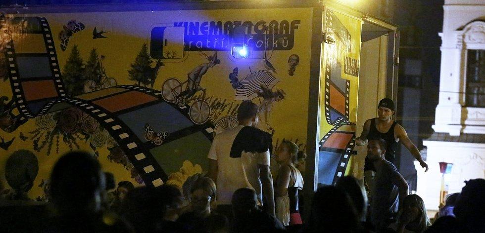Kinematograf bratří Čadíků promítá v Ústí nad Labem až do pondělí.