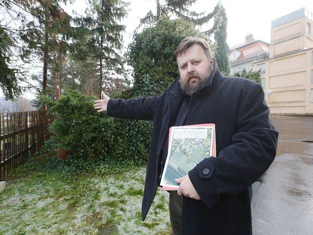 Ředitel Domova pro seniory ve Velkém Březně Tomáš Kříž chce aby se vybudovala směrem od řeky Labe protipovodňová opatření.