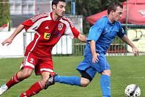 Fotbalisté Neštěmic (červení) doma porazili Jílové 3:0.