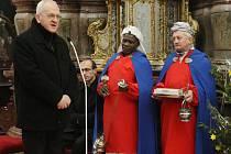 Tříkrálovým koledníkům požehnal v pondělí 2. ledna v litoměřickém kostele Všech svatých biskup Mons. Jan Baxant.