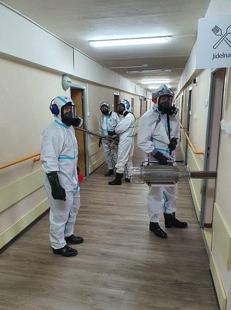 Desinfekce vMěstském ústavu sociálních služeb vJirkově, ve středisku UDubu, probíhá celý týden.