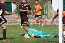Fotbal, I. A třída 2019/2020, Neštěmice - Roudnice (oranžovočerní).