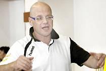 Trenér ústeckých házenkářů Tomáš Velek by rád v kádru Chemičky pokračoval i v příští sezoně.