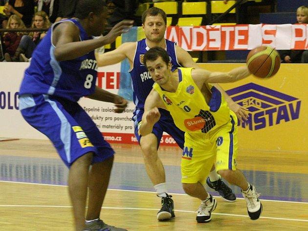 Ústecký rozehrávač Jiří Holanda si s míčem tyká a chce pomoci Ústí do play off.