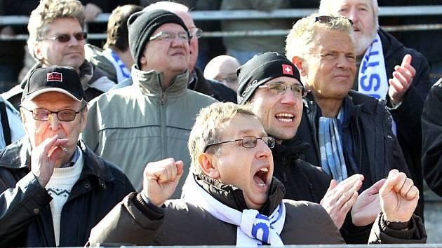 V posledním domácím utkání porazili ústečtí fotbalisté Sokolov 2:0 a udělali tak radost svým příznivcům. Budou se fanoušci Army radovat i proti Bohemians?