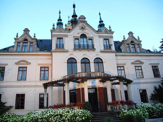 Zámek Velké Březno.