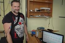 FOOTSCAN na měření tlaku chodidla zájemcům ukázal fyzioterapeut Karel Jelínek.