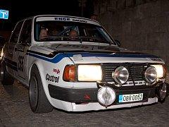 Rallye Praha revival zavítá i do Chabařovic. Těšit se můžeme na skvělé vozy a známé jezdce.