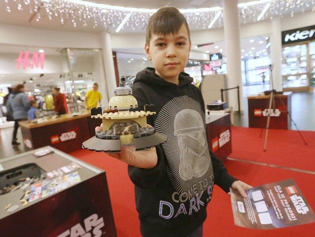 Děti měly možnost postavit si vlastní model a zapojit se do soutěže.