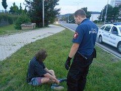 V posledních týdnech musejí ústečtí strážníci stále častěji vyjíždět k případům opilých lidí.