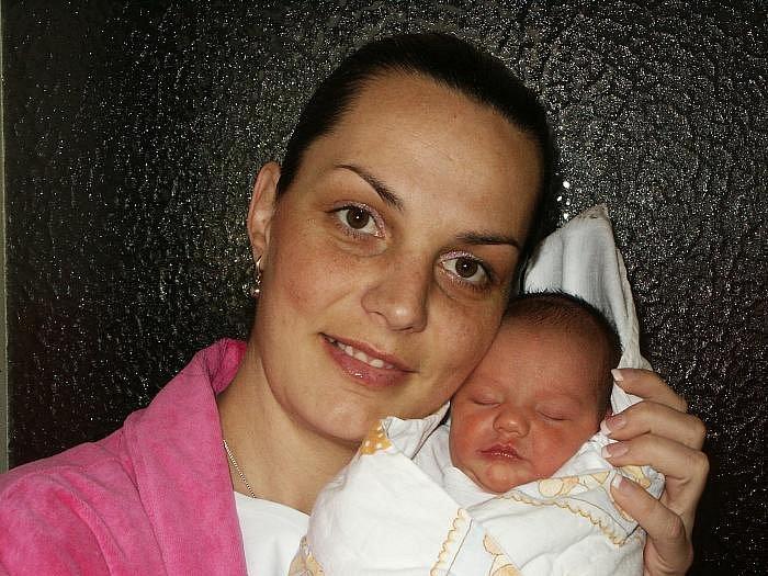 Zuzana Mamuti, porodila v ústecké porodnici dne 21. 2. 2011 (8.52) dceru Elizu  (48 cm, 2,86 kg).