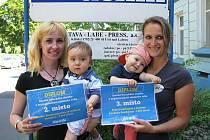 Redakce Ústeckého deníku odměnila výherce v soutěži O nejsympatičtější miminko roku.