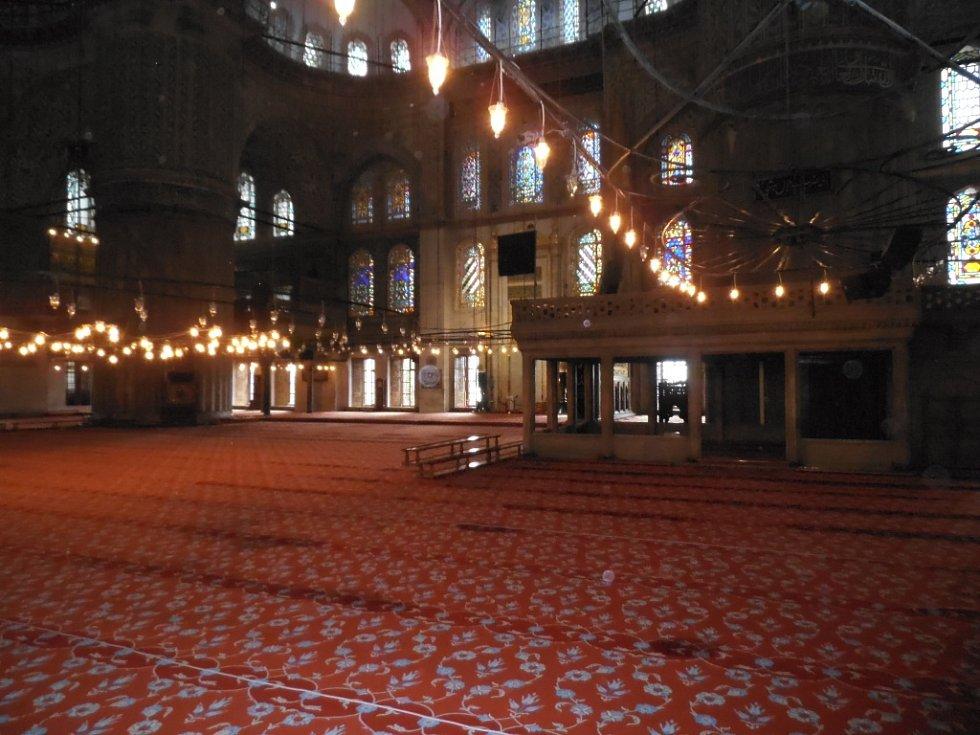 Vnitřek Modré mešity.